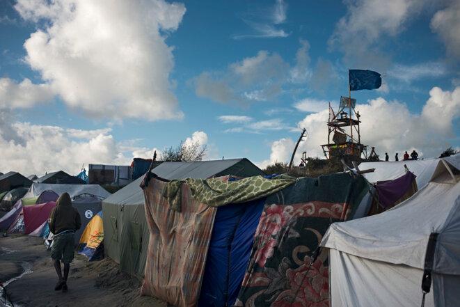 A Calais, la vie au camp avant démantèlement