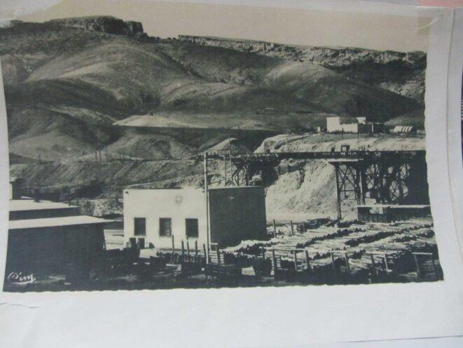 Anciennes cartes postales de la collection de l'Association Environnement et Développement pour Promouvoir le Bassin Minier Redeyef (AEDPBM) : la mine