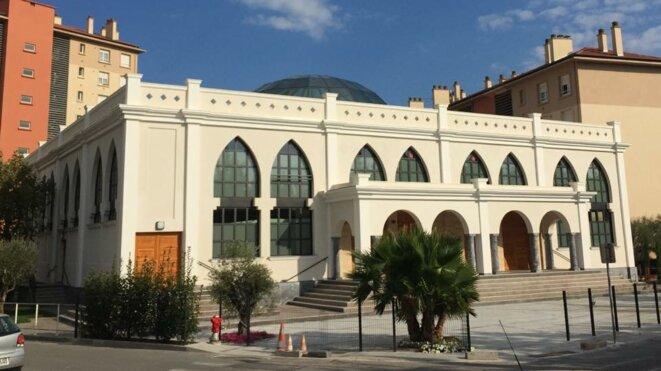 Le maire FN de Fréjus refuse depuis juin 2015 d'ouvrir la nouvelle mosquée autofinancée par les habitants. © Association El Fath