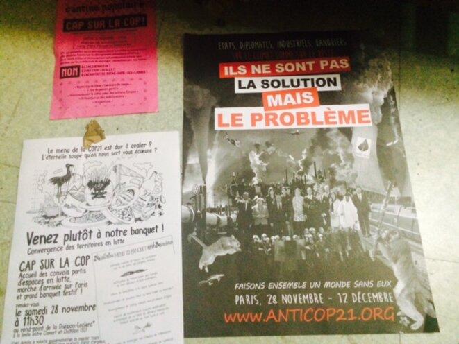 Exemples d'affiches saisies par la police au Massicot, le 26 novembre.