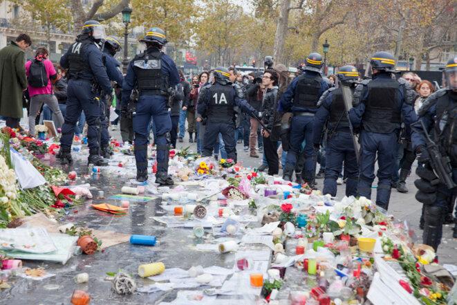 Les CRS pendant la dispersion de la manifestation place de la République © Jean-Paul Duarte