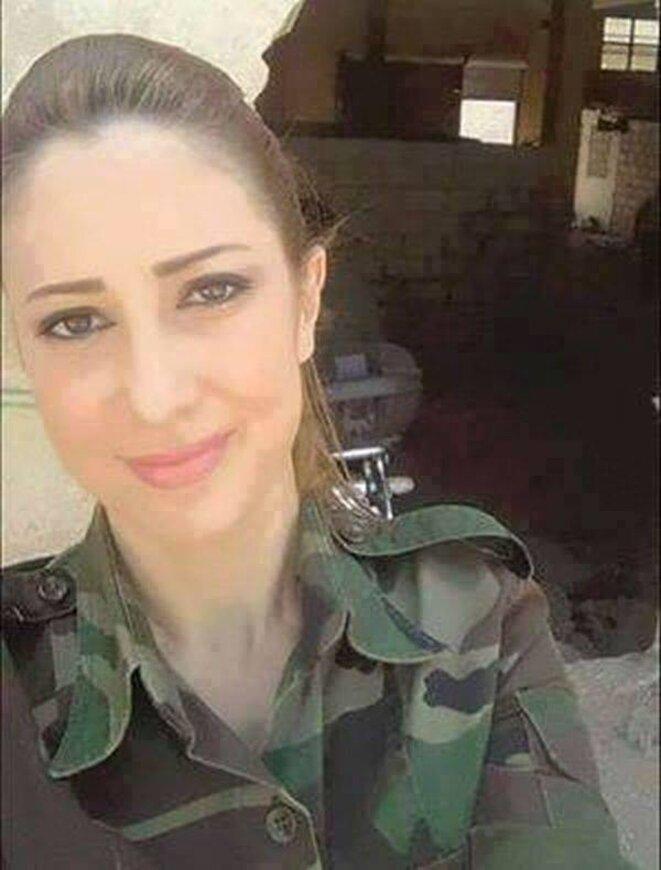 Reem était la chef d'une brigade de femmes soldats, elle a protégé ses camarades; restée seule face à 20 islamistes, elle est tombée honorablement non sans causer des dégâts chez les les combattants d'Al Nusra