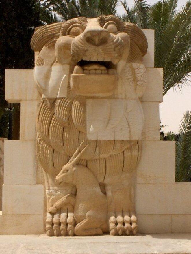 Le lion de Palmyre, dynamité par Da'ech.