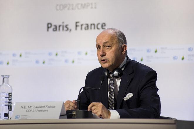 Laurent Fabius pendant une conférence de presse le 7 décembre © Jean de Peña du Collectif À-vif(s)