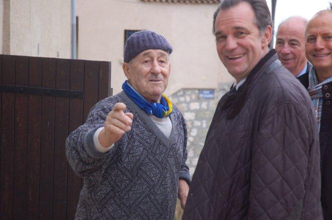 Renaud Muselier (à droite) en visite à Fos-sur-Mer, le 8 décembre. © LF