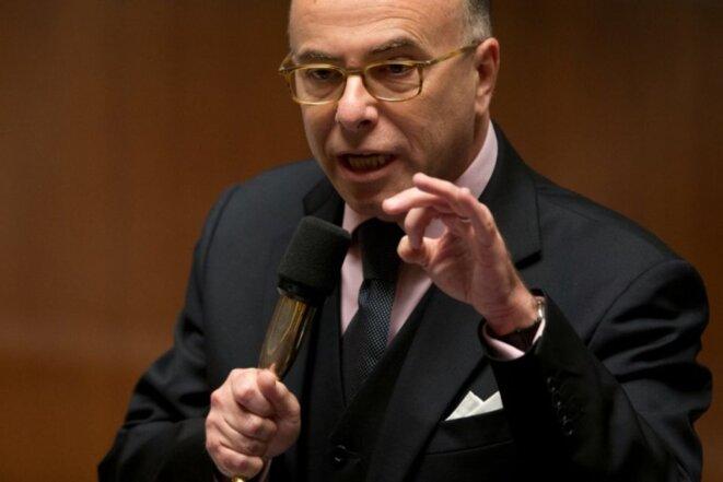 831912-le-ministre-de-l-interieur-bernard-cazeneuve-le-1er-decembre-2015-a-paris