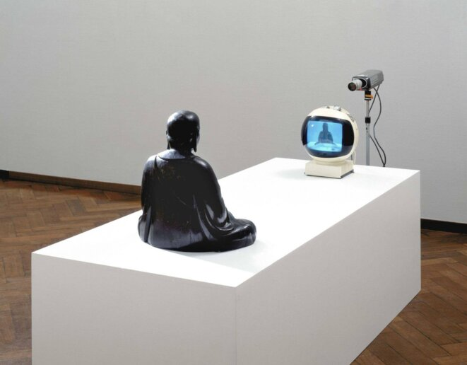 «TV-Buddha», 1974 © Nam June Paik
