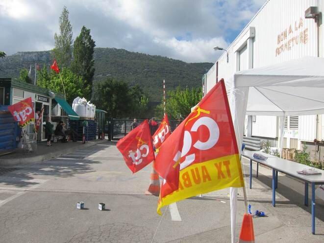 L'usine Fralib occupée en mai 2012 © LF