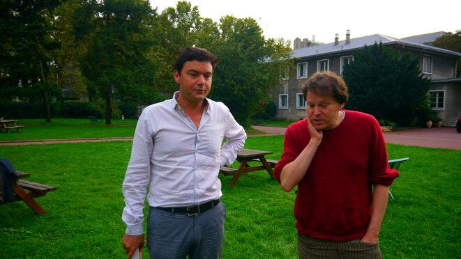 Thomas Piketty et David Graeber lors d'une rencontre organisée par Mediapart © jc