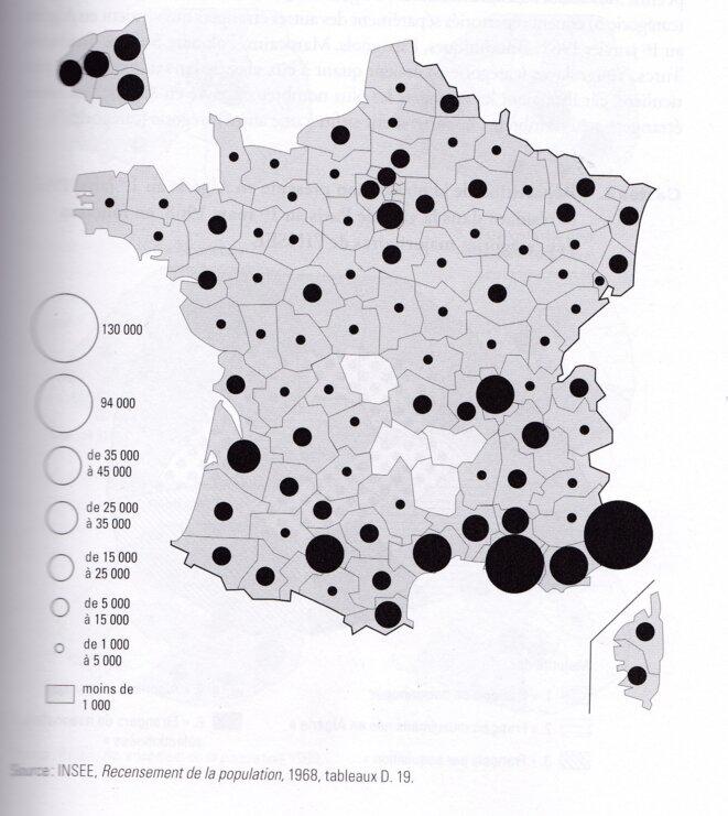 Carte de la présence des rapatriés d'Algérie au recensement de 1968, le seul ayant comptabilisé la population française née française en Afrique du Nord. Les chiffres manquent pour quantifier le nombre de pieds-noirs revenus depuis pour leur retraite sur le littoral méditerranéen, ou l'ayant quitté. La carte est tirée du livre de Yann Scioldo-Zürcher cité dans l'onglet « prolonger ».