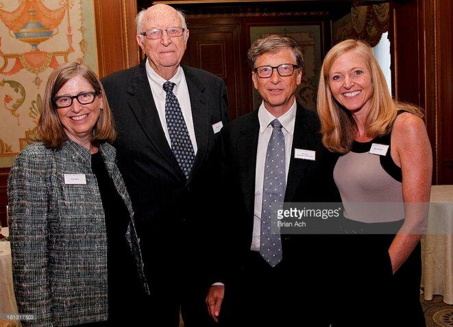 Bill Gates, son père et ses deux soeurs