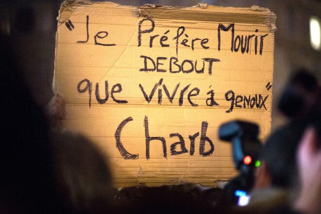 """""""Je préfère mourir debout que vivre à genoux"""" © Charb 2015"""