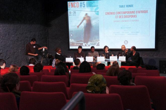 De g. à dr.: Pascale Obolo, Nicolas Feodoroff, Ishola Akpo, Melissa Thackway, Dimitri Fagbohoun, Yves Chatap