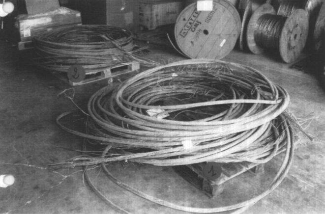 d6267-page-46-rapport-des-experts-photos-des-deux-palettes-des-9-troncons-de-cable-63-kv