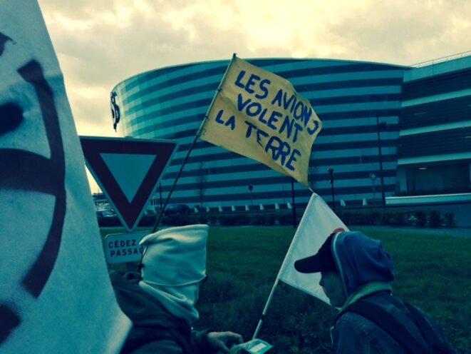 Manifestants contre l'aéroport de Notre-Dame-des-Landes, le 9 janvier 2016 (JL).