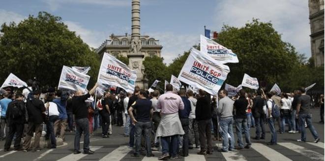 Manifestation de policiers en 2012 à la suite de la mise en examen de Damien Saboundjian © Reuters