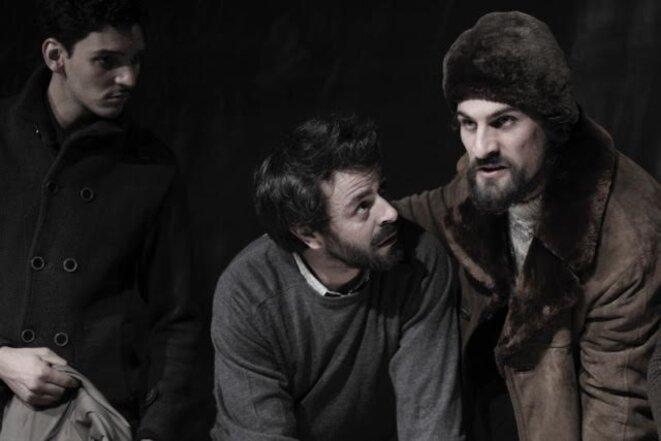 "Amir Elkacen, Julien Urrutia et Alexandre Ruby dans ""Les justes"" © dr"