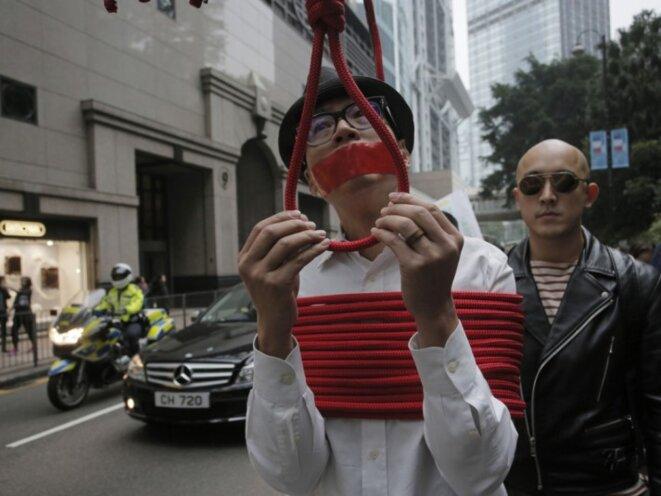 6 000 manifestants pour les éditeurs enlevés © Keistone