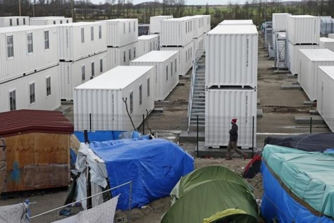 The container camp in Calais. © Reuters