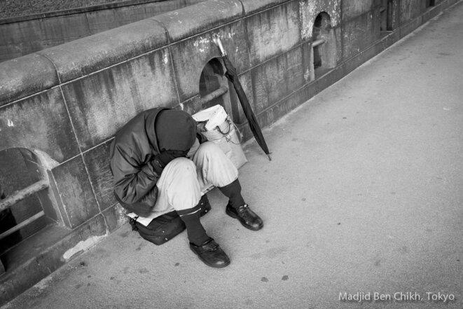 Plus rien, nul part où aller, plus personne à qui parler... © Madjid Ben Chikh