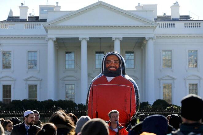 Manifestation pour la fermeture de Guantanamo, devant la Maison Blanche, le 11 janvier 2016. © REUTERS/Jonathan Ernst