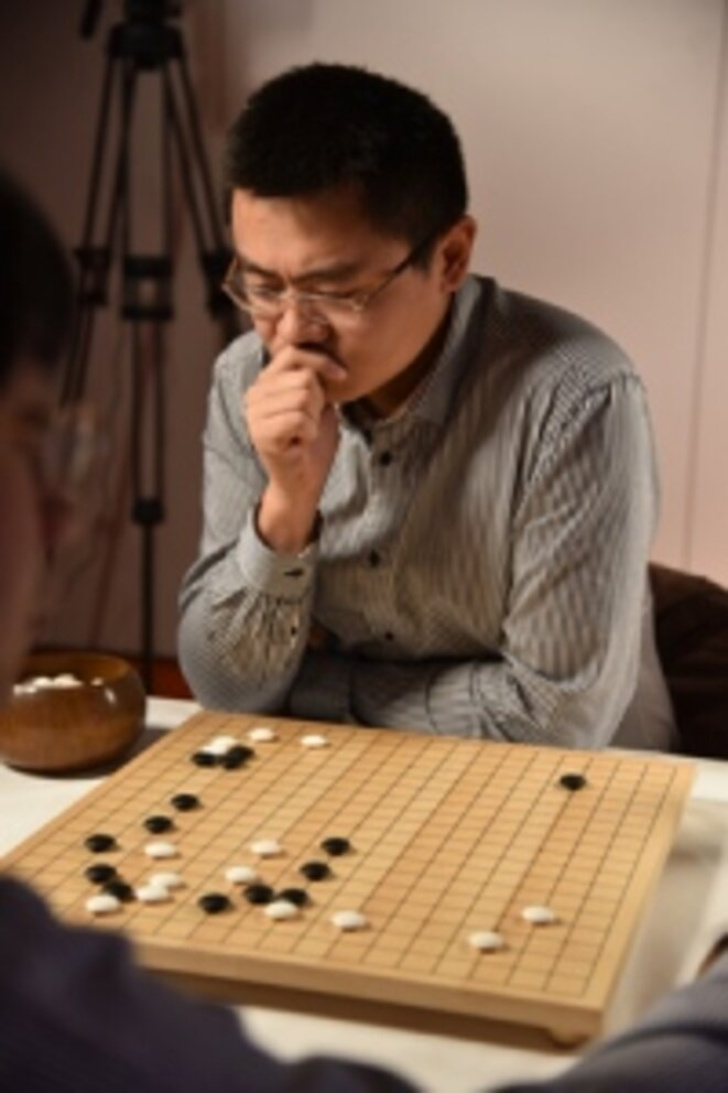 Fan Hui, champion d'Europe de go, battu en 2015 par le programme AlphaGo © Google Deepmind