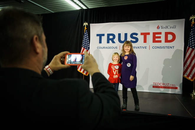 Deux générations de soutiens à Ted Cruz © Thomas Cantaloube