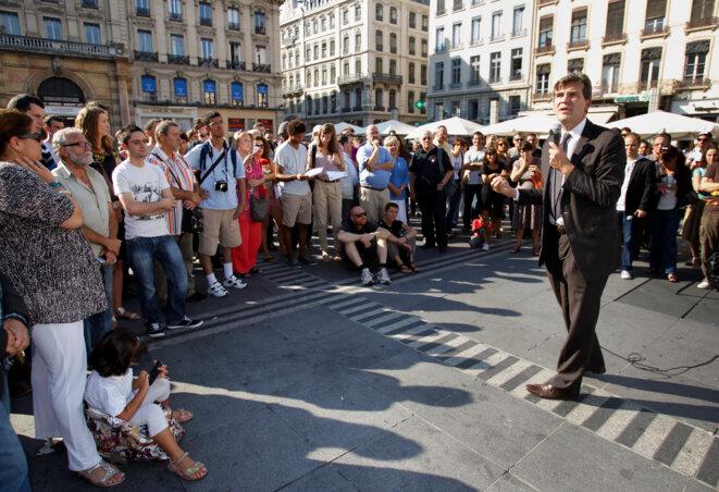 Arnaud Montebourg en campagne pour la primaire de 2011 © Reuters
