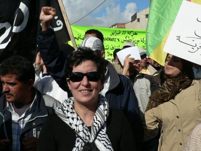 Khadija Ryadi lors d'une manifestation du Mouvement 20-Février à Rabat, le 24 avril 2011 © Ilhem Rachidi