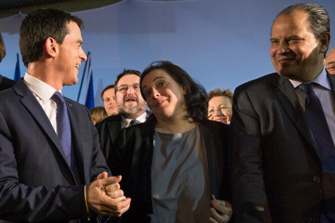 Manuel Valls, Emmanuelle Cosse et le premier secrétaire du PS, Jean-Christophe Cambadélis, lors d'un meeting pour les départementales en mars 2015 © Reuters