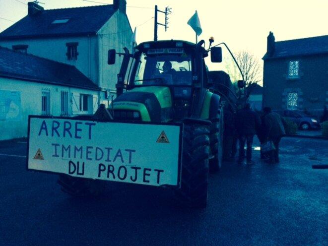 Départ de manifestation à Notre-Dame-des-Landes, au petit matin du 9 janvier 2016 (JL).