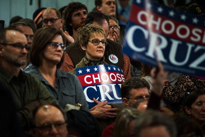 Les supporters du candidat Ted Cruz (ici dans un meeting dans l'Iowa en janvier 2016) sont de farouches défenseurs de la Constitution, qu'ils estiment en danger. © Thomas Cantaloube