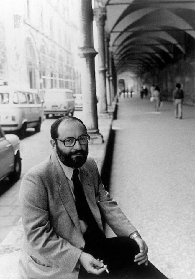 Umberto Eco, en 1983, à Rome. © Photo AFP