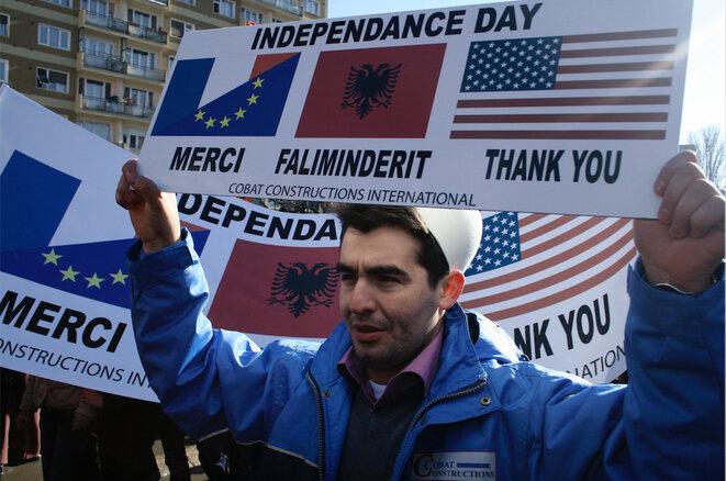 El 17 de febrero de 2008, Kosovo declara su independencia. Desde entonces, la crisis no se ha detenido. © Laurent Geslin