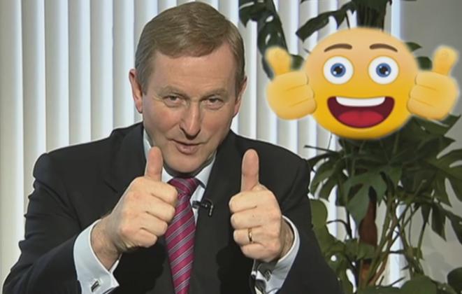 M. Kenny a visité une école aussi. Ces pleurnichards de gosses lui ont demandé quel était son emoji préféré. © thejournal.ie