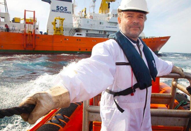 """La capitaine Klaus Voger lors d'un exercice de sauvetage des équipes de l'Aquarius © Photos Patrick Bar """"SOS MEDITERRANEE"""""""