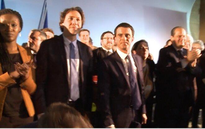 F. Koïta en meeting avec Manuel Valls, J. Guedj (alors président du conseil général de l'Essonne) et J-C. Cambadélis (patron du PS) en mars 2015, à une semaine des élections départementales. Malgré leurs efforts, l'Essonne a finalement basculé à droite. © Parti socialiste