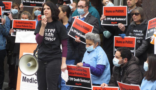 La activista Melinda St. Louis se manifiesta contra un tratado de libre comercio. © PUBLIC CITIZEN