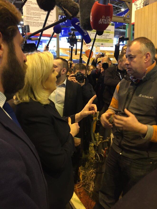 Marine Le Pen Fait Un Tabac Au Cul Des Vaches Le Club De