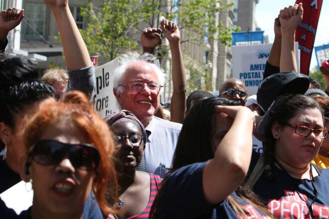 Bernie Sanders manifestant contre le traité transpacifique à Washington DC, 2015