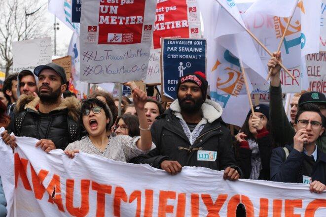 Tête de cortège, manifestation à Paris © Mathilde Goanec