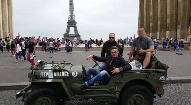 Logan Djian et Loïk Le Priol (assis) le 29 juillet 2014, à Paris. © Compte Facebook de Loïk Le Priol.