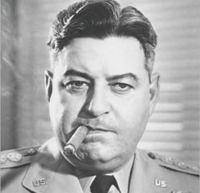 """""""Nous allons ramener le Japon à l'âge de Pierre"""" - Curtis Le May, général des forces aériennes des Etats-Unis, mort dans son lit à 84 ans, n'a jamais répondu de ses actes devant le moindre tribunal, ni à Nuremberg ni ailleurs."""