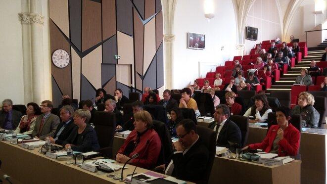 Les 30 conseillers départementaux devront voter le budget primitif 2016 prévoyant une hausse de la fiscalité sur le foncier bâti. © F. Sabourin