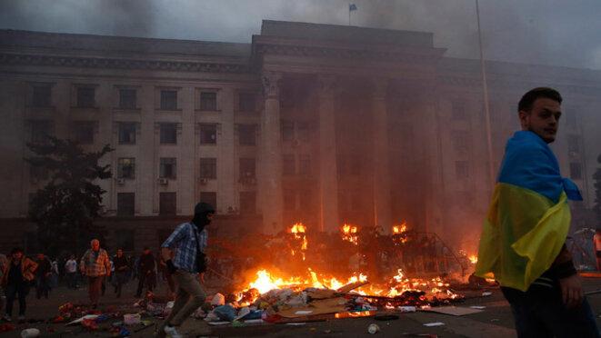 La Maison des syndicats à Odessa en flammes, 2 mai 2014