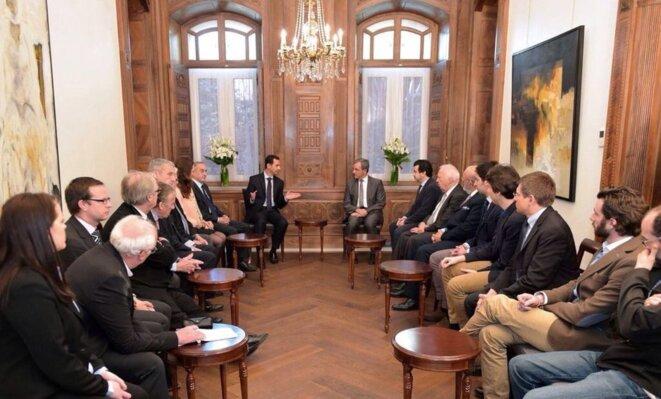 Rencontre avec Bachar al-Assad, dimanche 27 mars, à Damas. À droite, au premier plan, Julien Rochedy. © Twitter/@halabinasser1