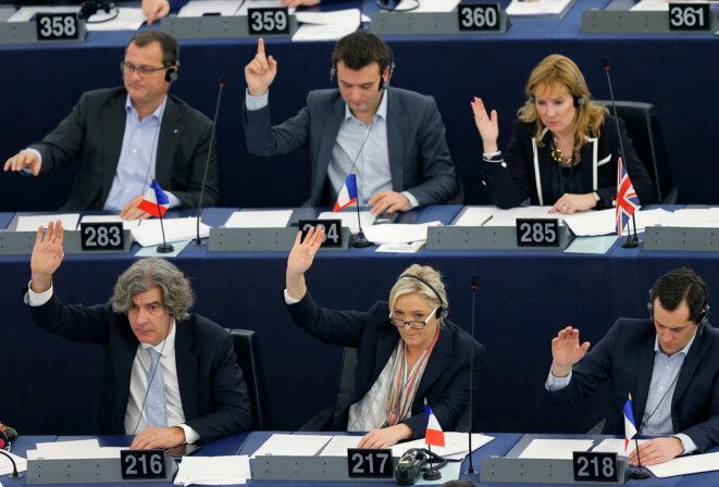 Une partie de la délégation FN au parlement européen, à Strasbourg, le 17 décembre 2015. © Reuters