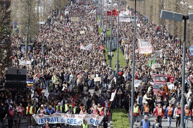 manifestations-des-etudiants-contre-le-cpe-en-avril-2006-a-rennes-photo-afp-1457471780