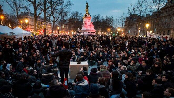 Assemblée populaire du 32 mars, République Paris © Photo Ag: MaxPPP/EPA/IAN LANGSDON