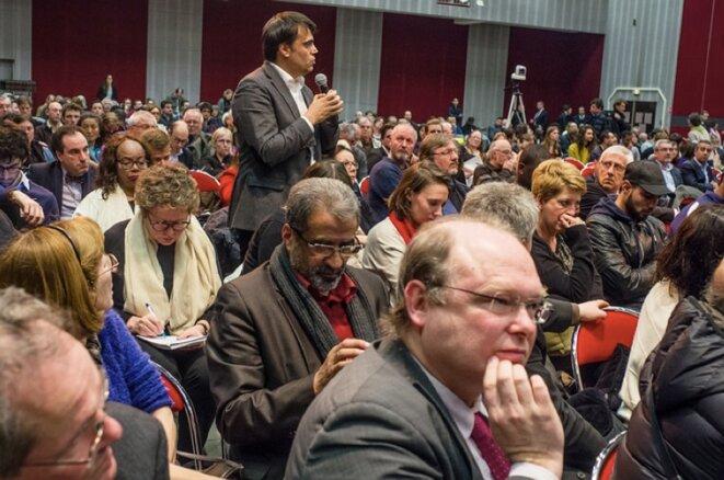Pendant le débat public à Gonesse, le 17 mars 2016. ©Yann Guillotin